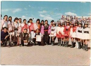 La danza de los caporales en estadio Guillermo Briceño Rosamedina (Juliaca) en el I Festival Folklórico Internacional (octubre, 1976).
